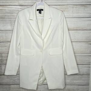 Body by Victoria Ivory Blazer in size 8
